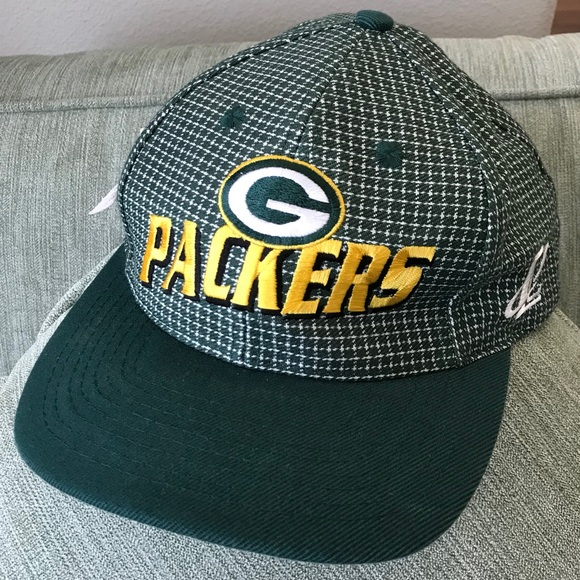 ca33c231876f4 NWT Rare 1990s Vintage NFL Green Bay Packers Hat. NWT. Logo Athletic
